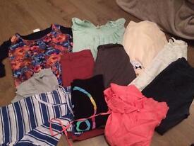 Clothes bundle size 12
