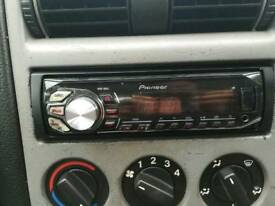 Pioneer car radio USB and aux