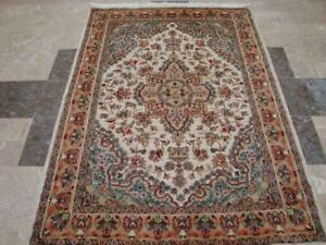 Sarafia Beauty Floral Oriental Area Rug Hand Knotted Wool Silk Carpet (6 x 4)'