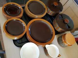 Hornsea pottery bronte set 28 items