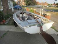 Wayfarer sailing dinghy with combi trailer