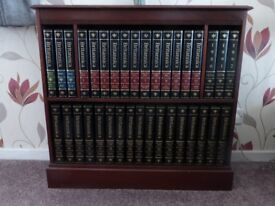 Brittanica encyclpaedia World Data 38 volumes