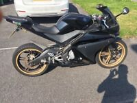 Yamaha yzfr 125 motorbike for sale