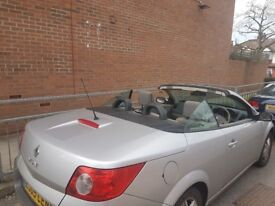 RENAULT MEGANE CONVERTIBLE SPARES OR REPAIR