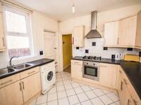 6 bedroom house in Tennyson Road, Portswood, Southampton