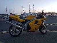 Low mileage 2003 triumph daytona 955i yellow