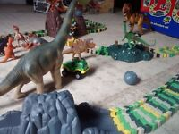 ELC Dino World - Jurassic World with extra track & Large Dinosaurs
