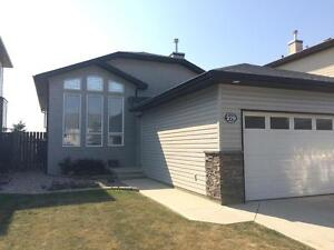 2 Bed Pet Friendly Whole House With Garage