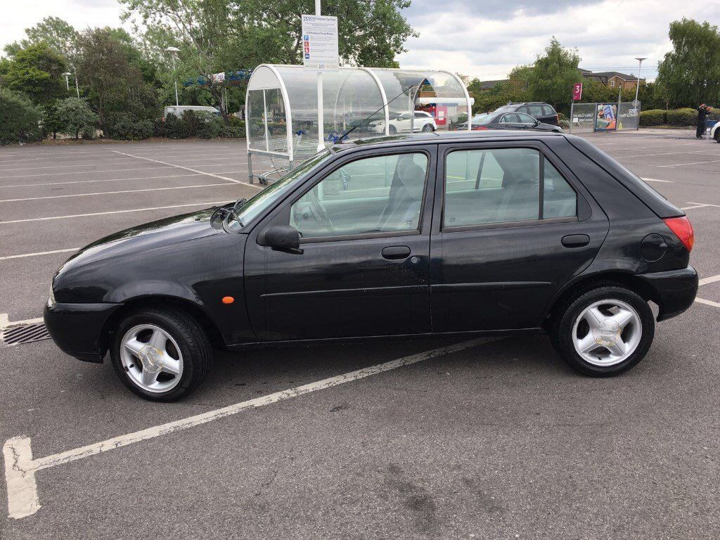 ford fiesta ghia 1999 1 4 cc mot mar 18 in romford london gumtree. Black Bedroom Furniture Sets. Home Design Ideas