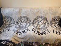 Versace Blanket for Double Bed White / Black