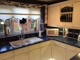 KITCHEN UNITS FOR SALE.Full kitchen for sale as new one is coming including gas hob