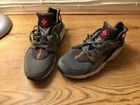 Genuine Men's Nike Hurache's