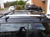 BLACK UNIVERSAL ROOF BARS LOCKING 2 KEYS USED ONCE IDEAL FOR ROOF BOX ETC