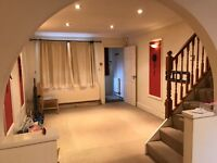 Lovely 3 Bedroom house with driveway/garage available