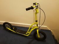 LIME GREEN AIR SCOOTER