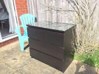 Great condition black chest of drawers