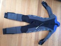 """Junior Wetsuit, for child height 4'4""""-4'6""""; (131-137cm) Top quality, very warm and thick, no nicks"""