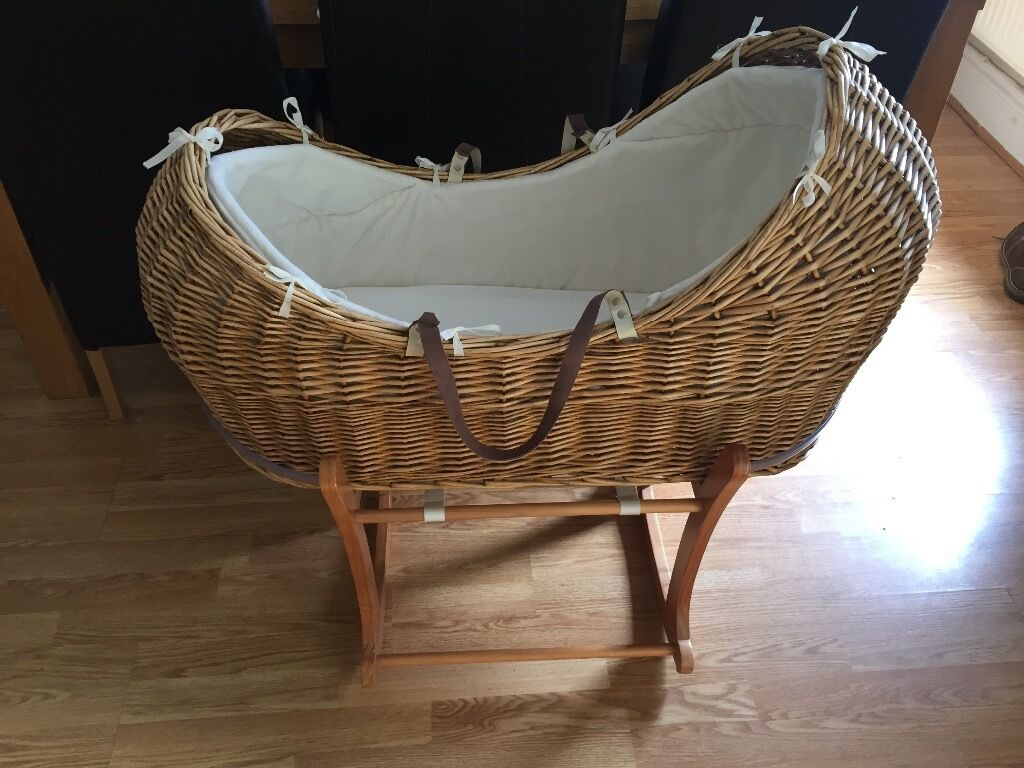 Mothercare 'The Snug' Moses basket & stand