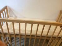 Next to me style cot