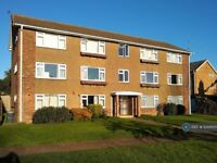 3 bedroom flat in Shaftesbury Road, Canterbury, CT2 (3 bed) (#1044100)