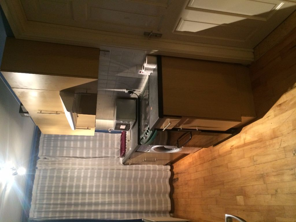 2 5 Metre Kitchen Worktop Units Hood Cooker And Sink All Inc In Ilford