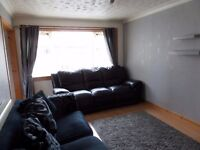 Spacious 2/3 bed Flat for rent