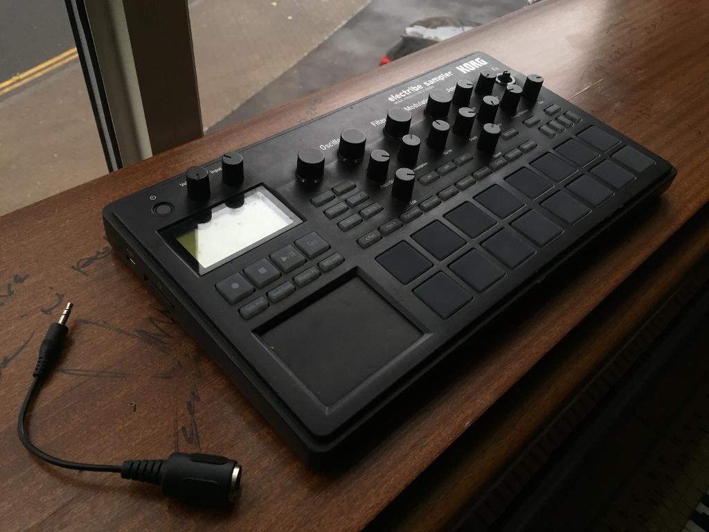 KORG Electribe Sampler ES2 (Black)