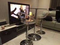 Glass bistro table and 2 stools