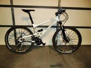Mongoose Ellite ------collection bike-----super light carbon Hurstville Hurstville Area Preview