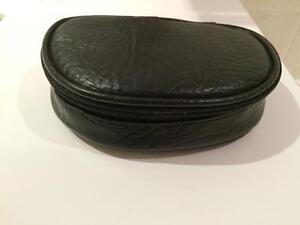 Quo cosmetic/travel bag
