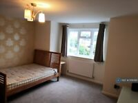 1 bedroom in St Marks Road, Maidenhead, SL6 (#1156385)