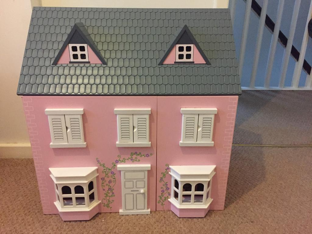 *~*Beautiful good quality wooden dolls house with furniture *~*