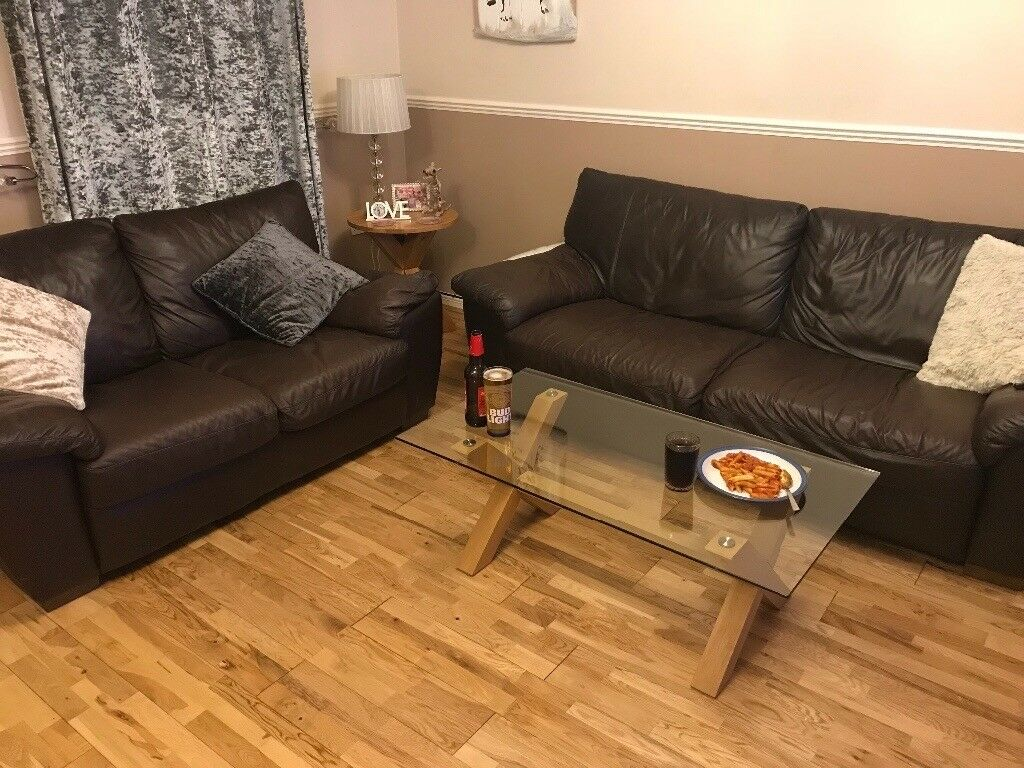 Soft leather 2 & 3 seater sofa.....Langley, Slough pick uo