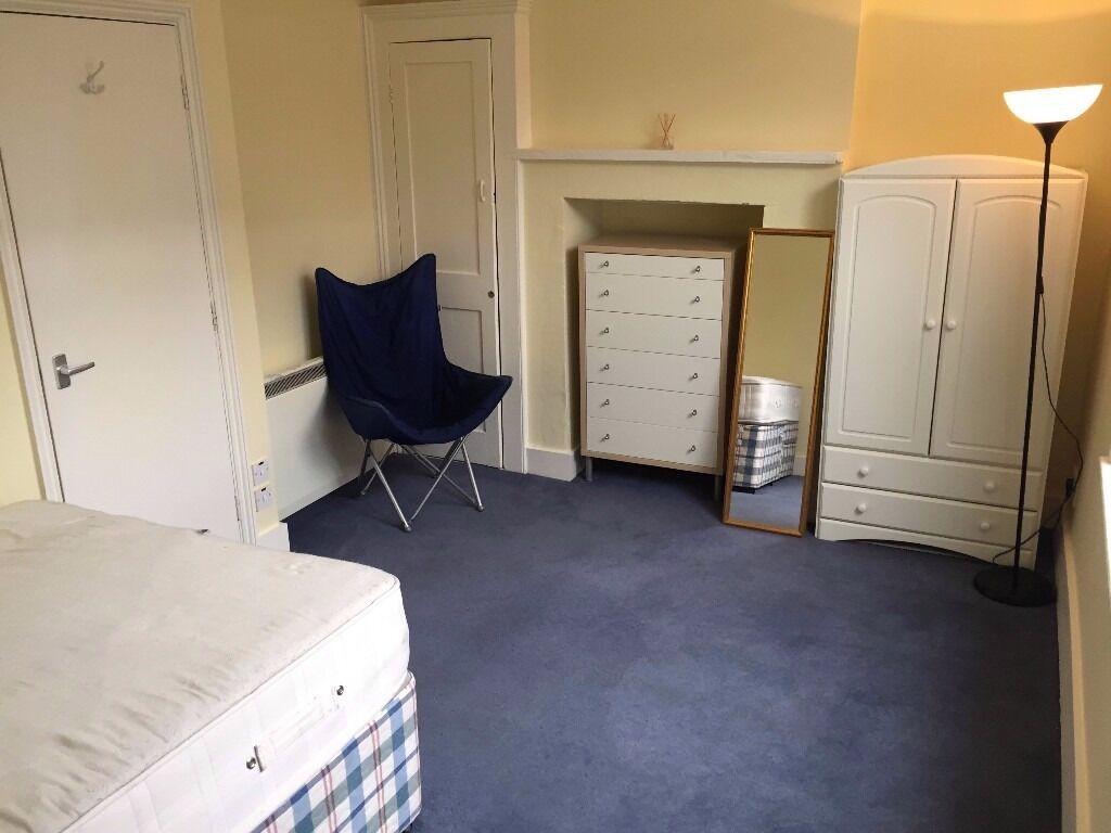 1 Bed Flat - Whitechapel Road, ALDGATE EAST, E1