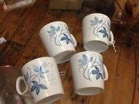 VINTAGE RETRO KITSCH MID CENTURY 1950S SET OF 4 WHITE & BLUE FLORAL MUGS/CUPS