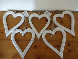 Wedding decoration - 5 decorative white painted wooden hearts