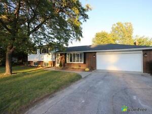 $312,000 - Split Level for sale in Lakeshore