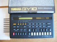 YAMAHA QY10 MUSIC SEQUENCER - EXCELLENT PIECE OF EQUIPMENT - LIKE NEW