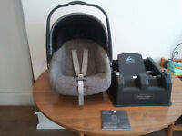 BABY CAR SEAT,MAMAS+PAPAS,PRIMO VIAGO+SUREFIX BASE,UNIVERSAL,SUITABLE FROM NEW BORN TO 15 MONTHS OLD