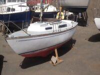 23 ft yacht- Drop fin keel, 4 berth
