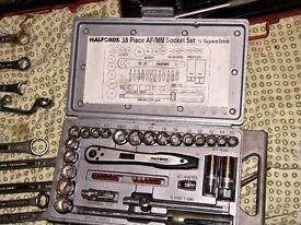 HALFORDS 3/8 SQUARE DRIVE 38 PIECE SOCKET SET AF/MM