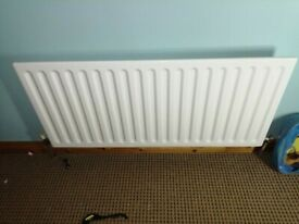 Single radiator 3ft 6 inches long, includes thermostatic valves & fittings (Excellent condition)