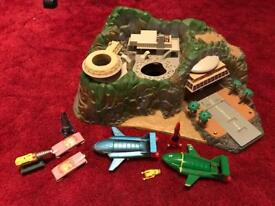 Thunderbirds Tracey island vintage with vehicles