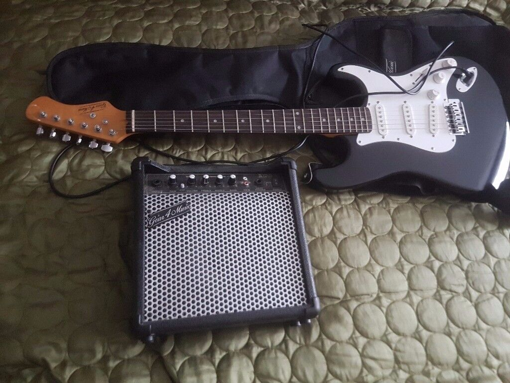 electric guitar junior size and amp great 4 music all works