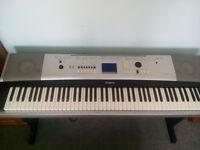 Yamaha DGX520 full size digital piano