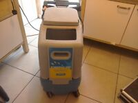 CARPET CLEANER STEEMPRO 2000 COMPLETE WITH HEAT N RUN AND HOSES AND AND UPHOSTERY HAND TOOL