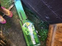 400w hedge trimmer in box