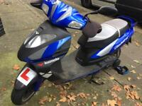 £325 gladiator 125cc Scooter moped