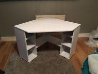 Corner desk - White