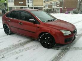 2006 FORD FOCUS. RED. 1.6L